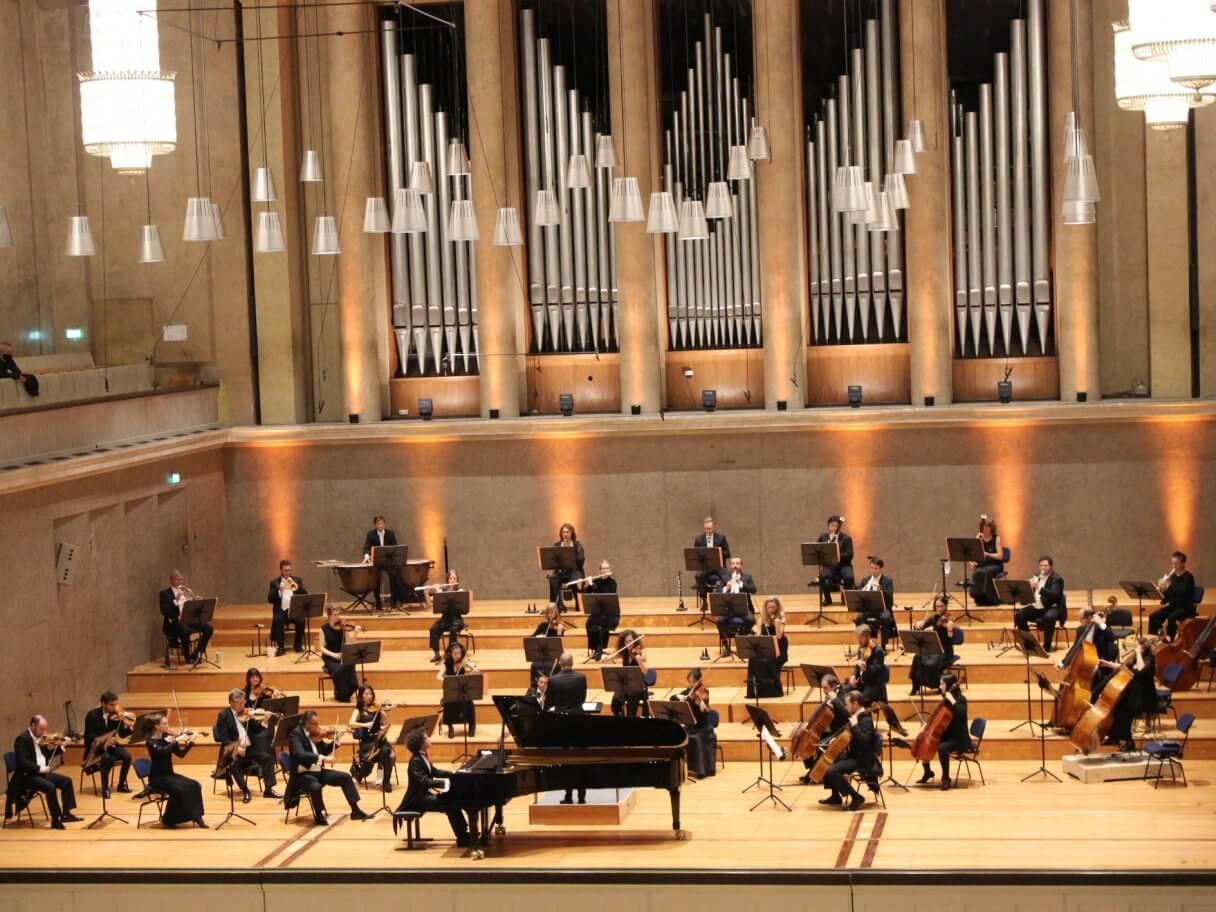 Orchester und Martino